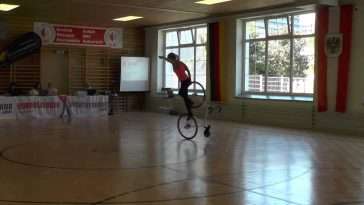 Girl With A Bicycle – The best thing you will see today!